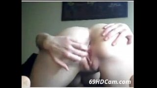 Teen Cutie Does a Wild Toy Fucking บนเว็บแคม